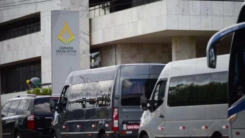 Ibaneis sanciona auxílio de R$ 600 para motoristas de transportes de turismo